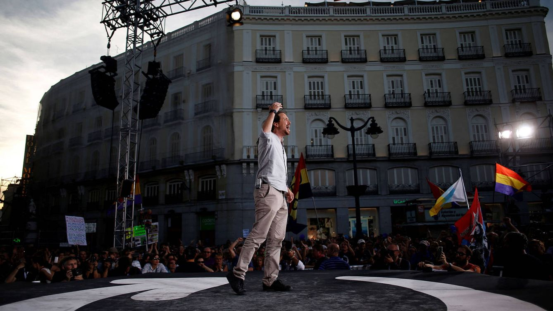 Foto: Pablo Iglesias ofrece un discurso en la Puerta del Sol, en 2017. (Reuters: Juan Medina)