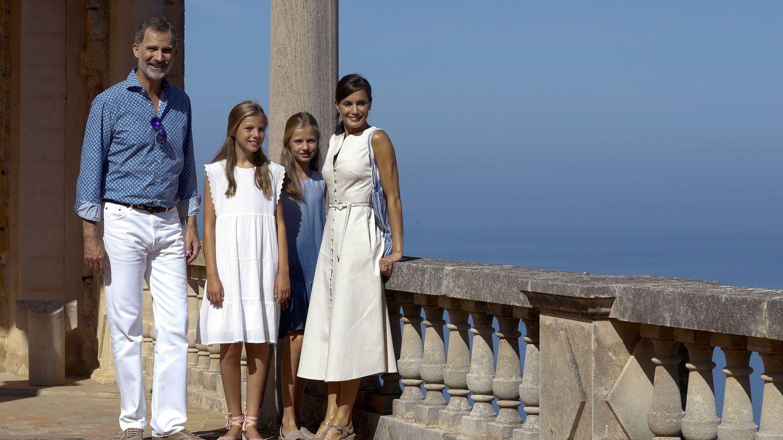La Familia Real, en el último posado en Son Marroig. (EFE)
