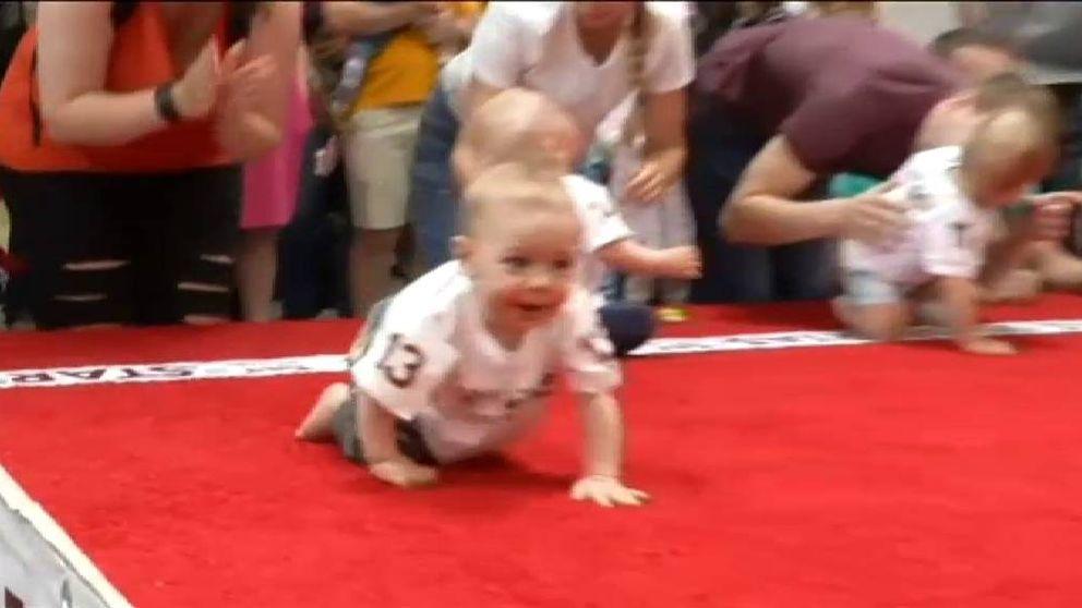 Lituania celebra su tradicional concurso de carreras de bebés