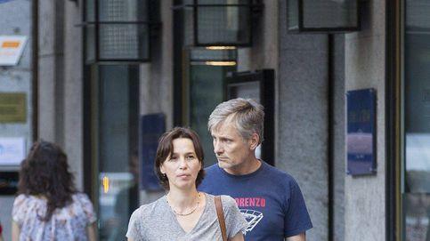 Viggo Mortensen y Ariadna Gil se 'destapan' en los Oscar: su discreta vida en Madrid