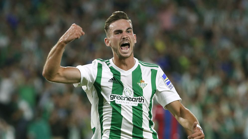 Foto: Fabián celebra un gol con el Betis. (EFE)
