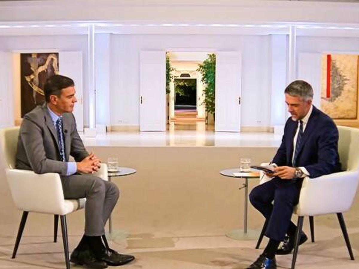 Foto: Pedro Sánchez en un momento de la entrevista en TVE.