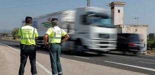Post de Un camionero gallego lleva el cinturón de seguridad atado con una bolsa de plástico