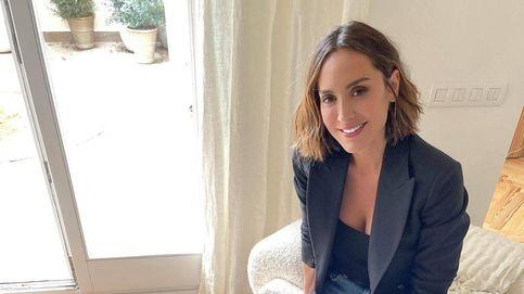 Tamara Falcó combina así los vaqueros rotos de Zara para un look casual-chic perfecto