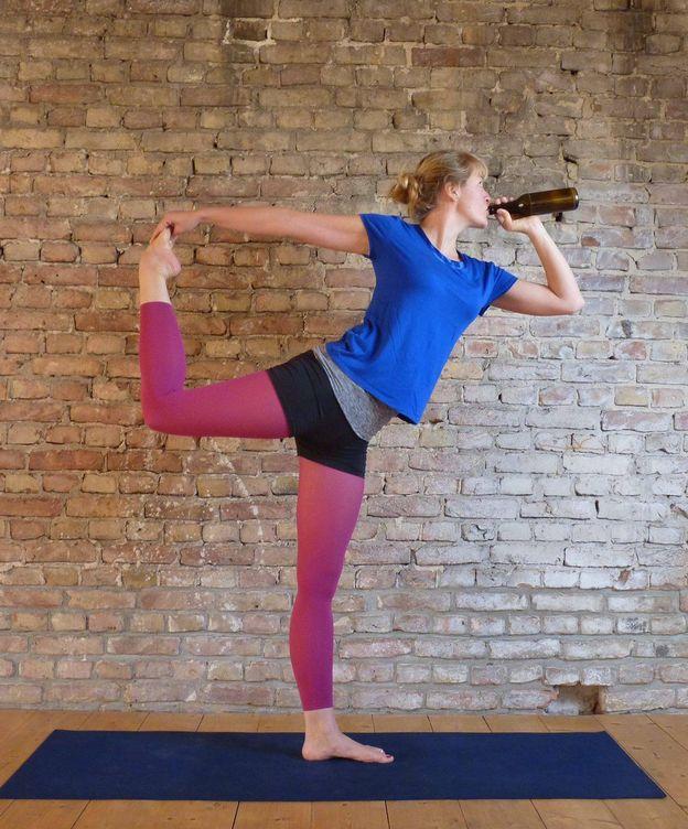 Foto: ¿Yoga y sorbos de cerveza? Sí, así es lo último en fitness