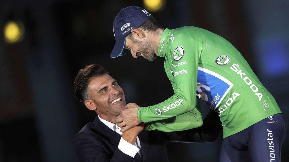 Foto: Óscar Pereiro junto a Alejandro Valverde. (EFE)