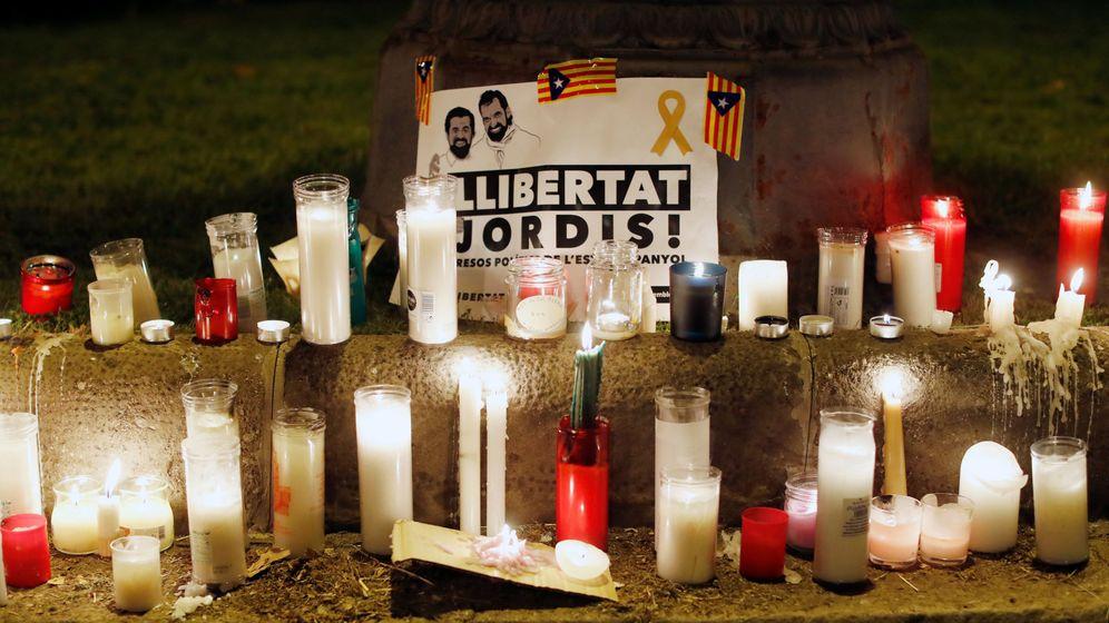 Foto: Imagen de alguna de las muchas velas que se utilizaron ayer en Barcelona. (Reuters)