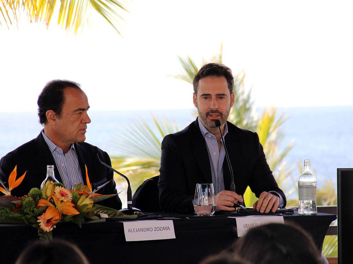Foto: Alejandro Zozoya, presidente de APL, y Javier Águila, presidente de APL en Europa, en la presentación de su nuevo hotel en Lanzarote.