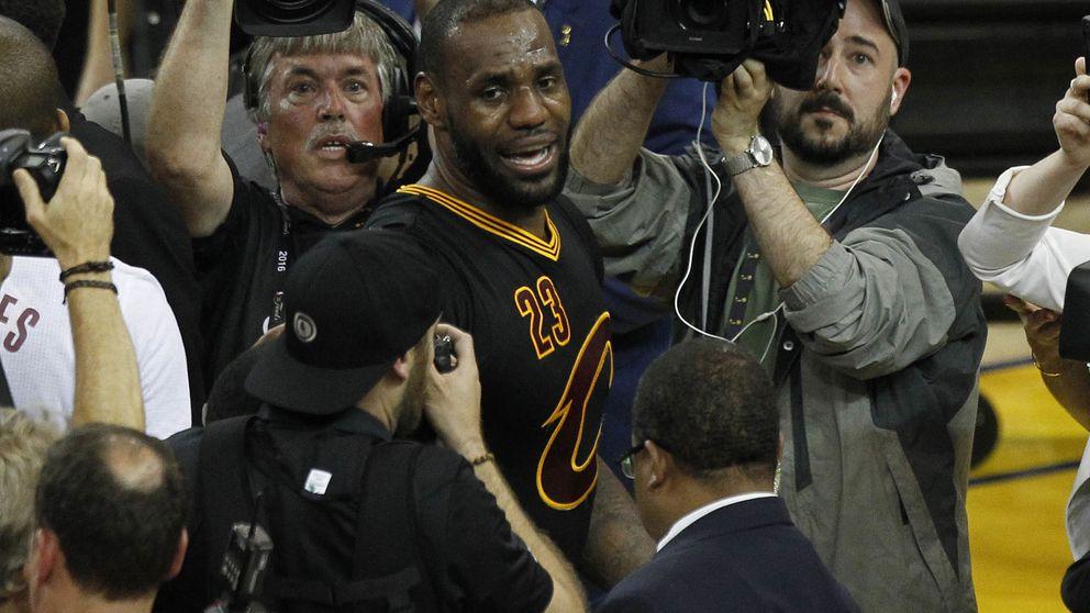 ¡Cleveland, esto es para ti!. LeBron ya tiene su ansiado anillo con los Cavs