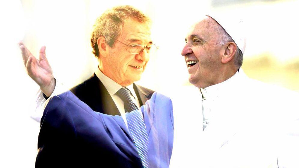 Foto: Cesar Alierta y el papa Francisco. (Enrique Villarino)