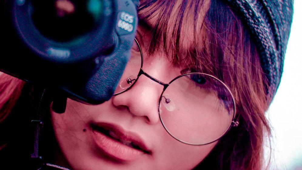 Foto: Por qué Japón prohíbe a las mujeres llevar gafas en el trabajo. (Reuters)