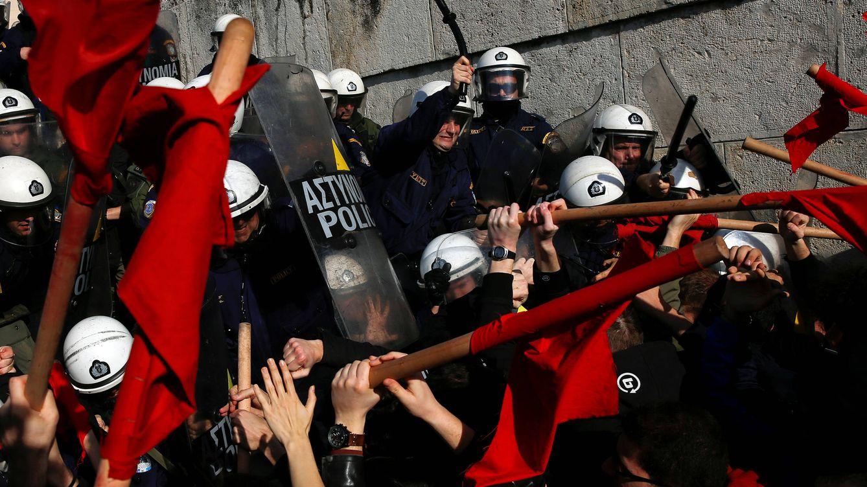 """""""Conoce a una familia rota por la crisis"""": la miseria de Grecia como atracción turística"""