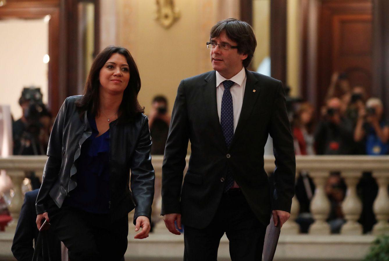 Foto: Puigdemont y Topor llegan al Parlament.