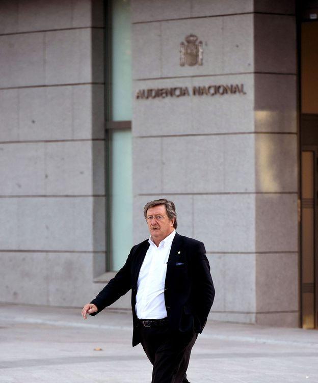 Foto: Juan Luis Larrea, presidente de la RFEF, el pasado julio antes de comparecer como testigo en la Audiencia Nacional por el caso Soule. (EFE)