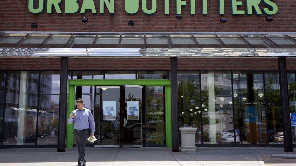 Foto: Una de las tiendas de la cadena estadounidense Urban Outfitters. (Reuters)