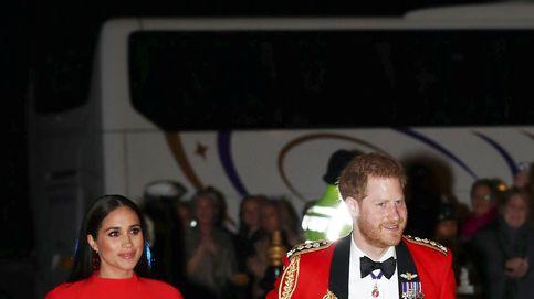 Meghan, la mujer de rojo en una importante noche para Harry 'el Capitán'