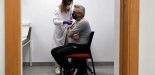 Post de España incumple el tercer hito del calendario de vacunación marcado por el Gobierno