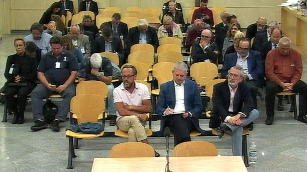 Foto: Los acusados escuchan los informes finales del juicio de Gürtel en octubre. (EFE)