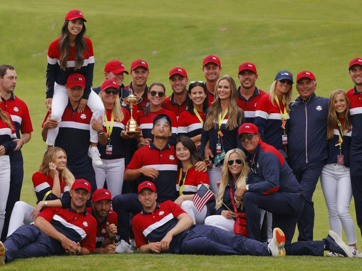 Foto: El equipo de EEUU celebra su victoria. (Reuters)