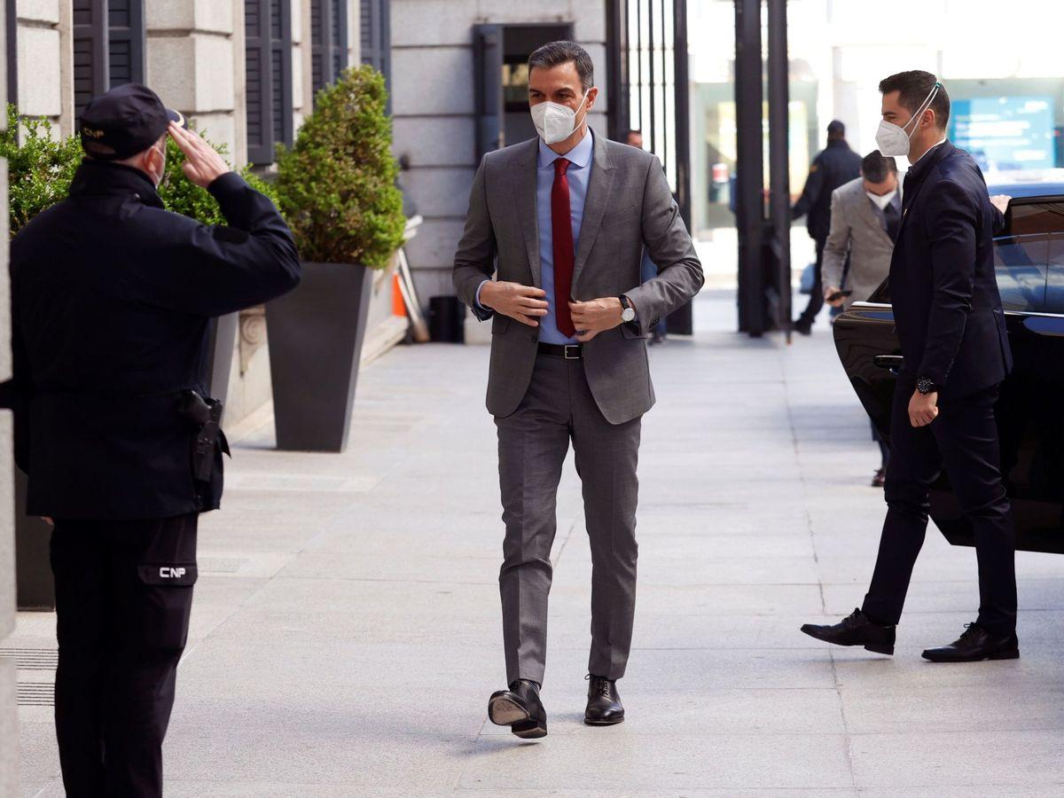 Foto: El presidente del Gobierno, Pedro Sánchez, a su llegada la sesión de control. (EFE)