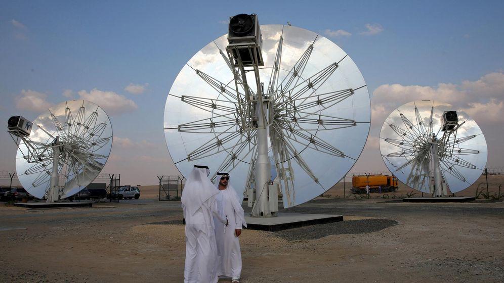 Foto: Imagen del parque solar de Dubái en el que trabajará Abengoa. (Reuters)
