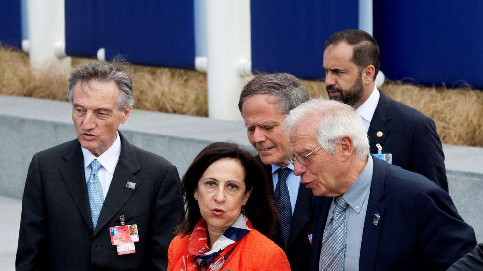 Foto: Los ministros de Asuntos Exteriores, Josep Borrell, y Defensa, Margarita Robles. (EFE)