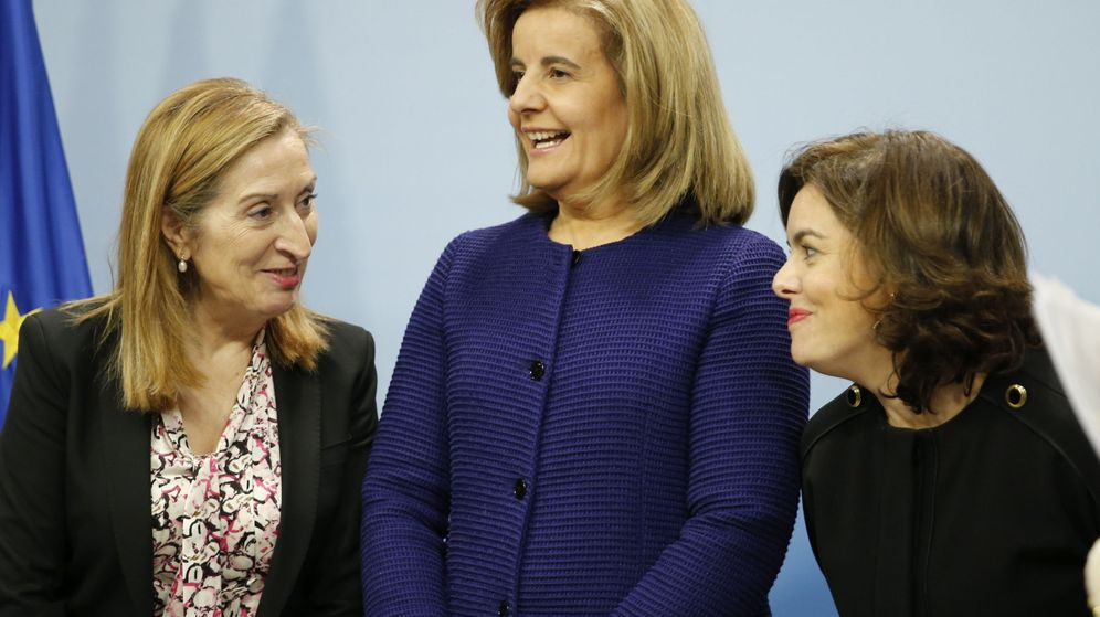 Foto: Ana Pastor, Fátima Báñez y Soraya Sáenz de Santamaría. (EFE)