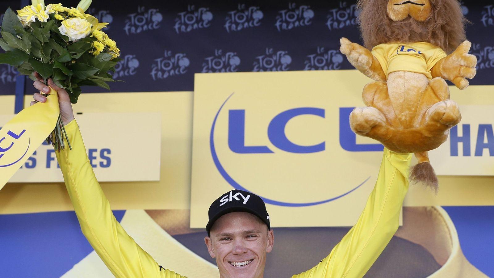 Foto: Chris Froome ya luce el maillot amarillo de líder del Tour de Francia. (EFE)