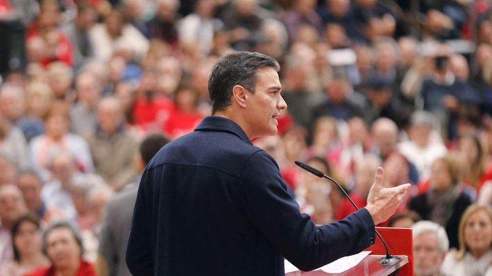 Foto: El jefe del Ejecutivo y secretario general del PSOE, Pedro Sánchez, durante un mitin en Valencia el domingo. (EFE)