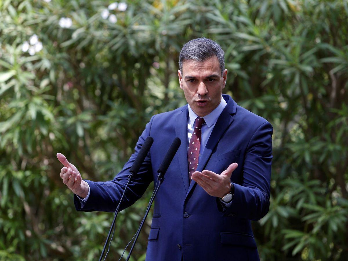 Foto: Pedro Sánchez comparece tras su reunión con Felipe VI en Mallorca. (Reuters)