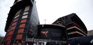 Post de Batalla campal con bengalas entre ultras del Valencia y el Barcelona en Mestalla