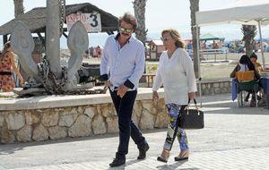 Bigote Arrocet ya pasa las noches junto a María Teresa en Marbella