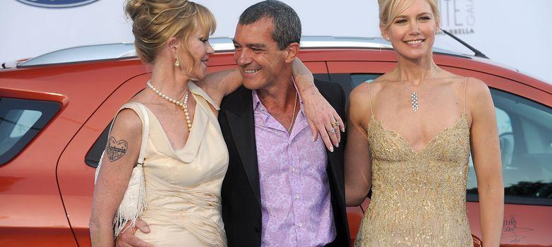 Foto: Antonio Banderas, Melanie Griffith y Valeria Mazza en la Starlite Gala. (I.C.)