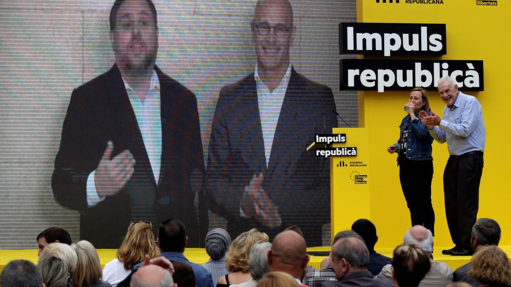 Foto: El presidente de ERC y candidato al Parlamento Europeo, Oriol Junqueras, y el senador electo Raül Romeva. (EFE)