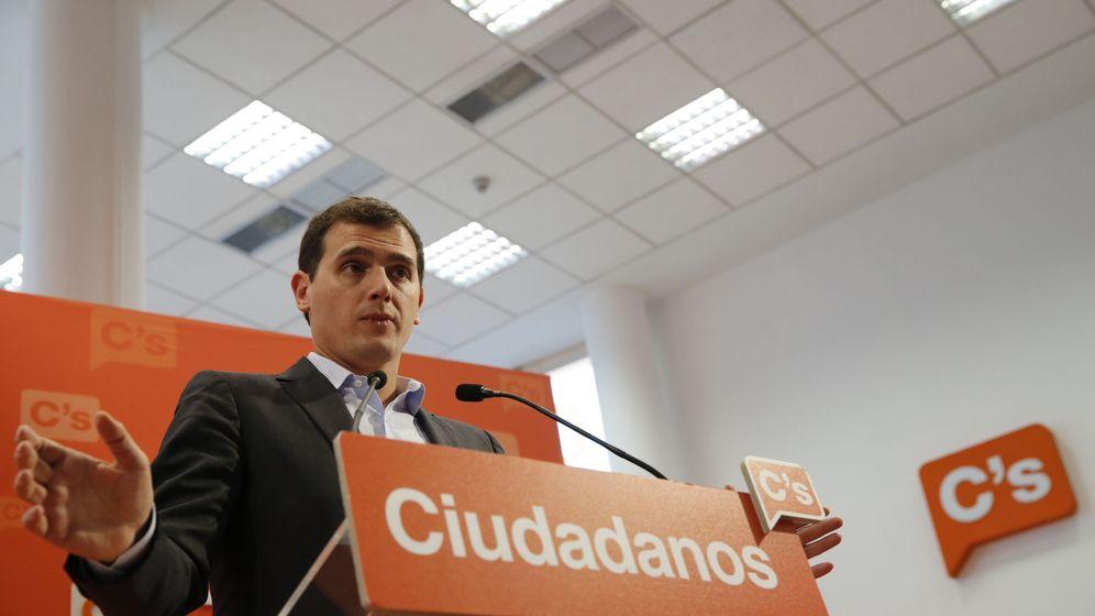 Foto: El presidente de Ciudadanos, Albert Rivera, en la rueda de prensa posterior a la ejecutiva nacional de su partido. (EFE)