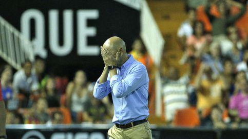 El Valencia echa a Pako y ya son diez cambios en el banquillo desde Emery