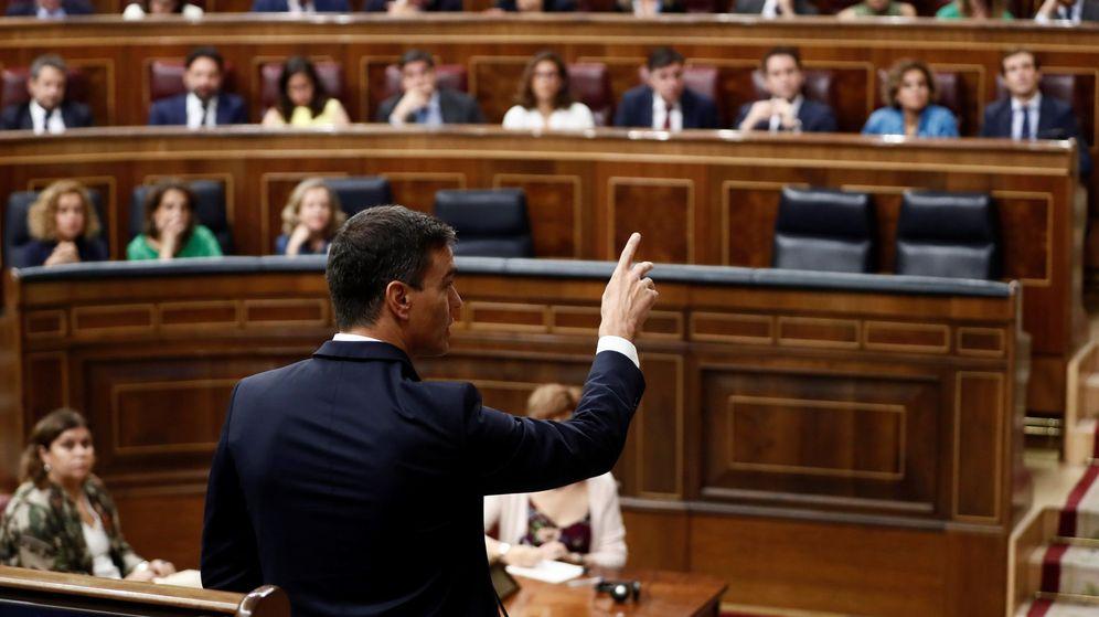 Foto: El presidente del Gobierno, Pedro Sánchez, interviene en la sesión de control al Gobierno. (EFE)