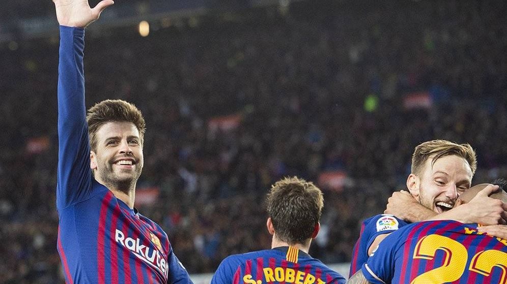 Foto: Piqué y otra foto para la historia del barcelona (@FCBarcelona)