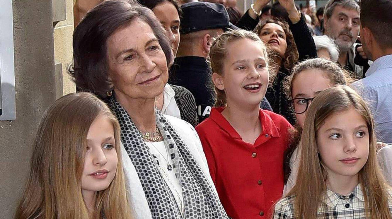 Foto: La Reina Sofía junto a Leonor, Sofía e Irene Urdangarin (de rojo). Foto: Gtres