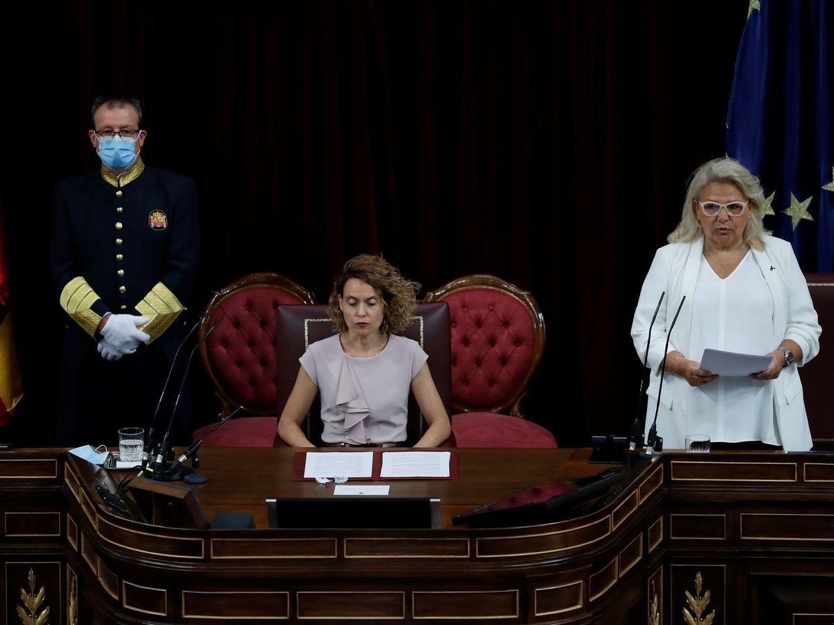 Foto: La presidenta de la Cámara Baja, Meritxell Batet y la vicepresidenta de la Fundación Víctimas del Terrorismo, Ángeles Pedraza. (EFE)