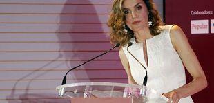 Post de Doña Letizia brilla de blanco rodeada de las mujeres poderosas del año