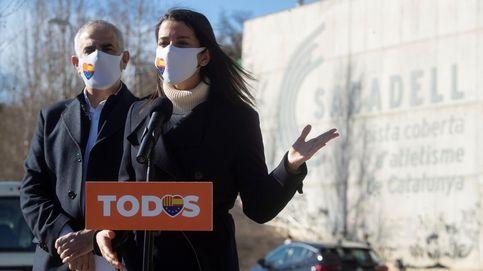 Ciudadanos confía en que la pugna entre PP y Vox tapone su debacle en Cataluña