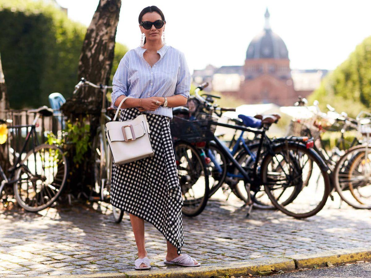 Foto: Así es la falda pareo que triunfa cada verano. (Imaxtree)