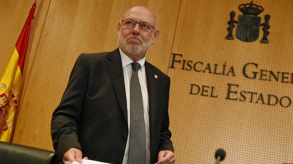 Foto: El fiscal general del Estado, José Manuel Maza, tras la convocatoria del referéndum de Cataluña. (EFE)