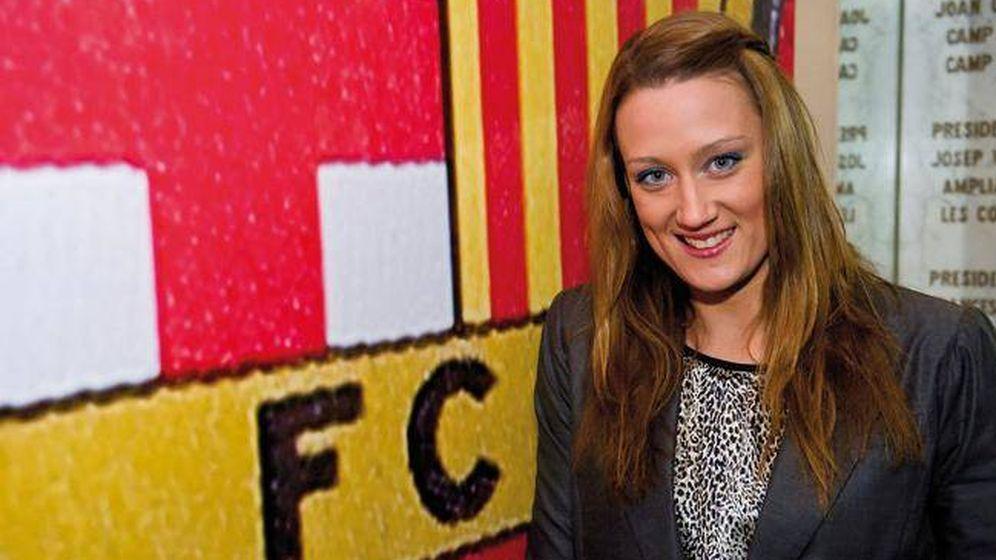 Foto: Mireia Belmonte, en el palco del Camp Nou, al que fue invitado para ver un partido del FC Barcelona. (EFE)