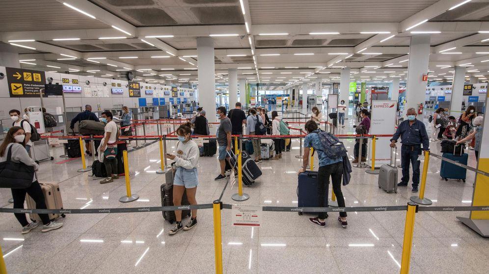 Foto: El Aeropuerto de Palma de Mallorca este lunes, primer día de la isla en fase 3. (EFE)