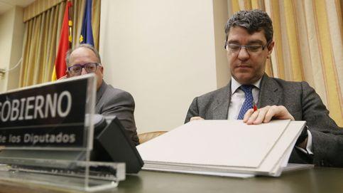 Enfado mayúsculo de las eléctricas tras la reunión del Gobierno con Goldman Sachs