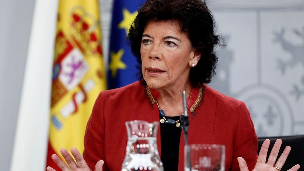 Foto: Isabel Celaá durante la rueda de prensa posterior tras el Consejo de Ministros. (EFE)