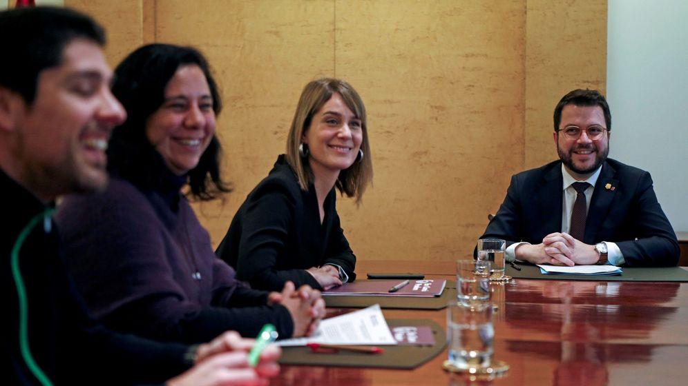 Foto: El vicepresidente de la Generalitat y 'conseller' de Economía, Pere Aragonès (d), y la presidenta de Catalunya En Comú Podem, Jéssica Albiach. (EFE9