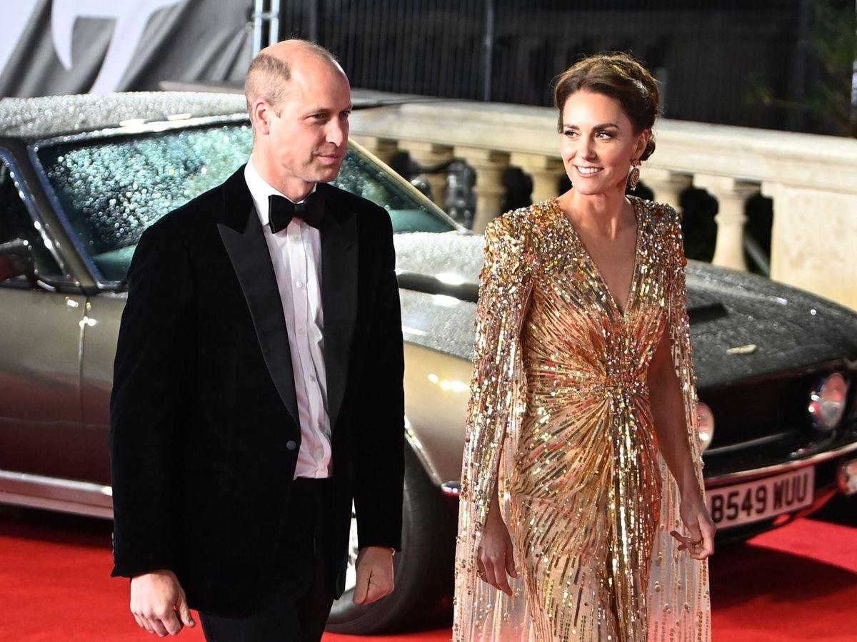 Foto: Los duques de Cambridge, en la premier de James Bond. (Reuters)